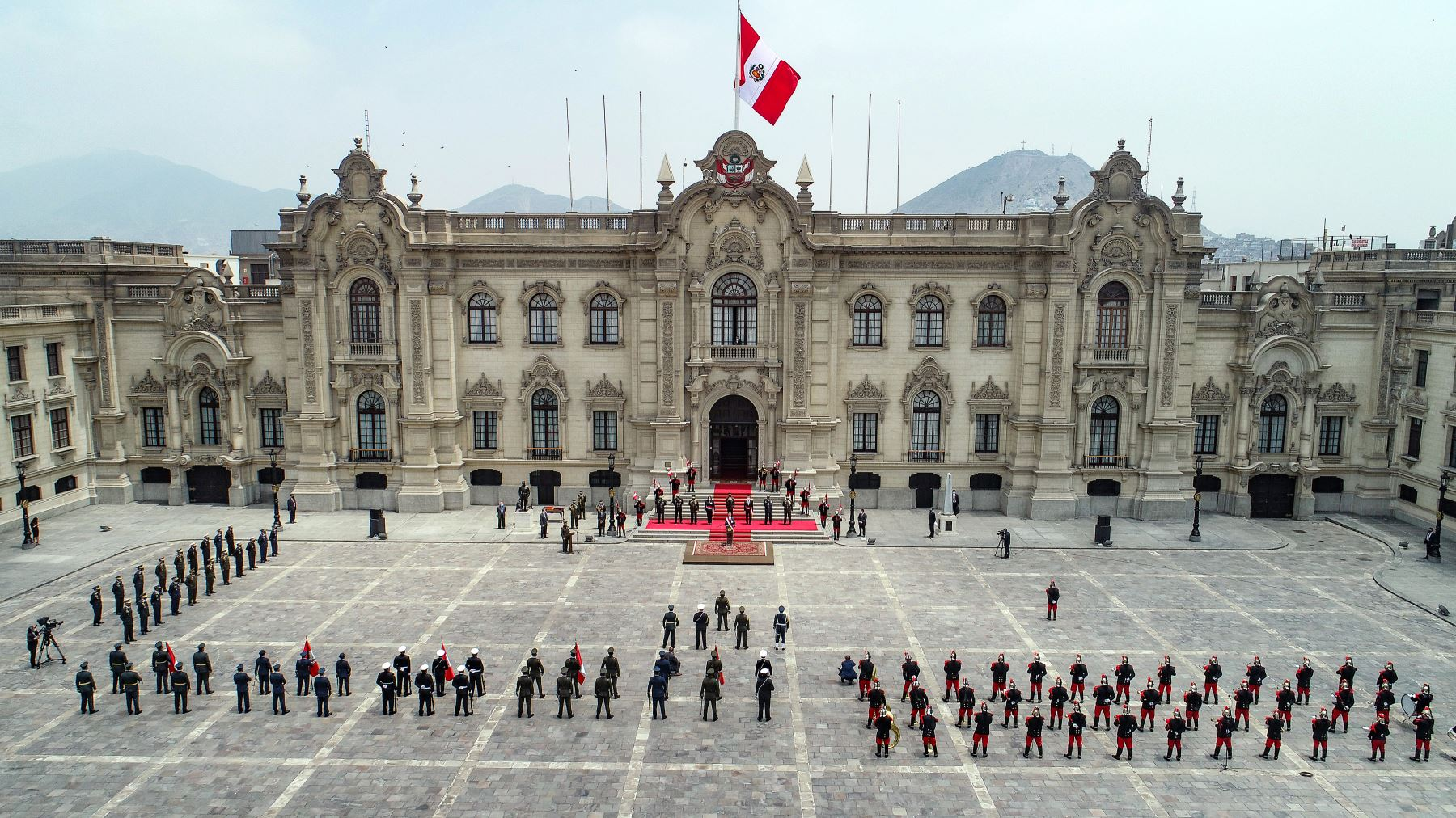Ceremonia de reconocimiento del presidente de la República, Francisco Sagasti, como Jefe Supremo de las Fuerzas Armadas y de la Policía Nacional del Perú. Foto: ANDINA/Prensa Presidencia
