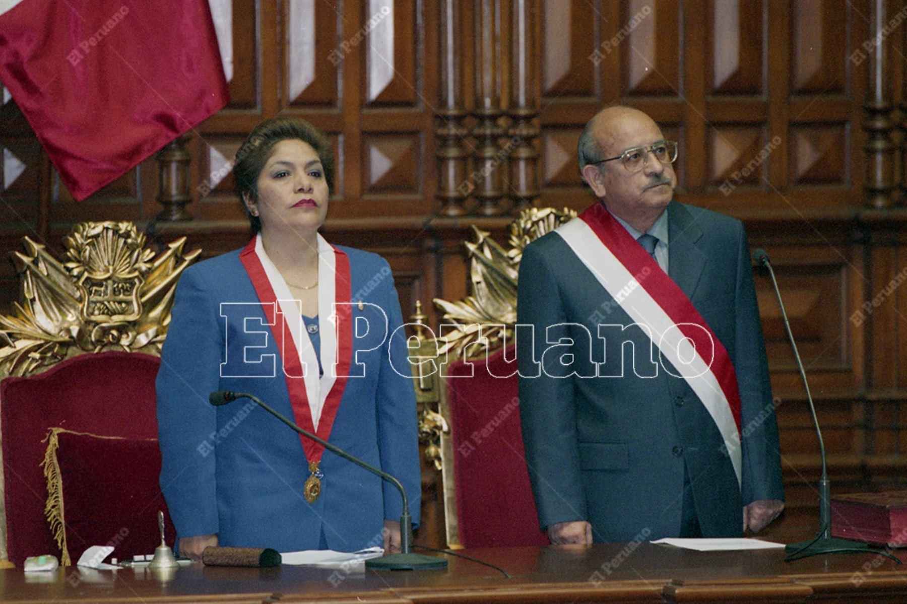 Lima - 22 noviembre 2000. Juramentación de Valentín Paniagua Corazao como presidente de la República. Foto: Diario Oficial El Peruano / Ricardo Choy-Kifox