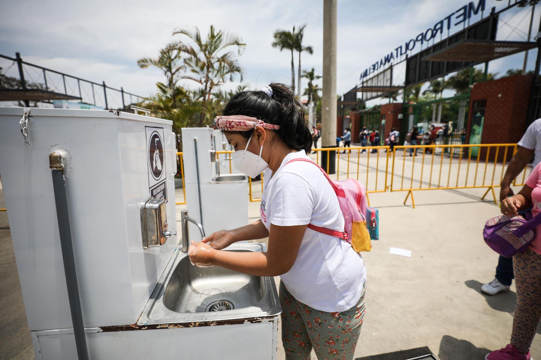 Los menores podrán recorrer las instalaciones acompañados, en todo momento, por una persona mayor de edad que viva en el mismo domicilio. Foto: Municipalidad de Lima