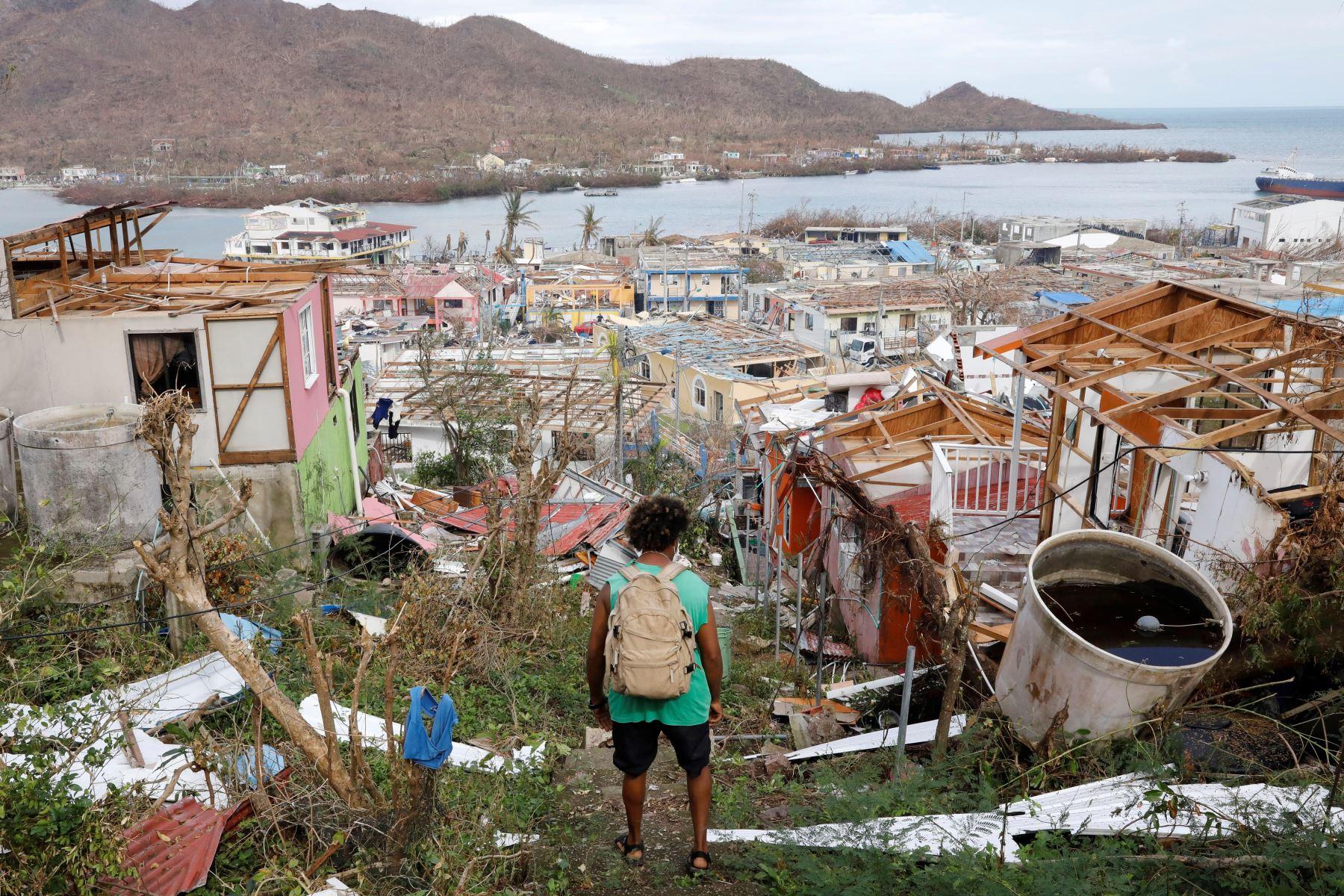 Desolación, incertidumbre y crisis económica tras el paso del huracán Iota en Providencia. Los habitantes de Providencia viven su día a día en medio de la angustia. Foto: AFP