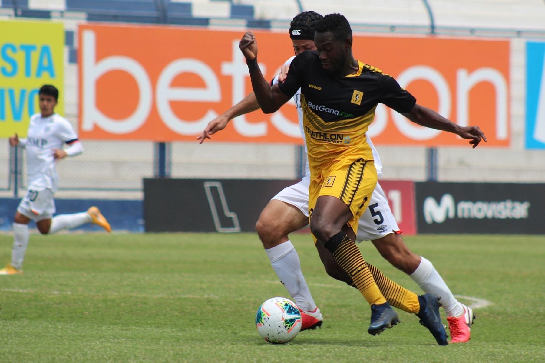 San Martín se enfrenta ante Cantolao por la octava jornada de la fase 2 de la Liga 1, en el estadio Iván Elías Moreno. Foto: Liga 1