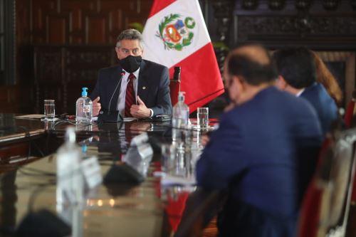 El presidente Francisco Sagasti, lidera la primera sesión del Consejo de Estado
