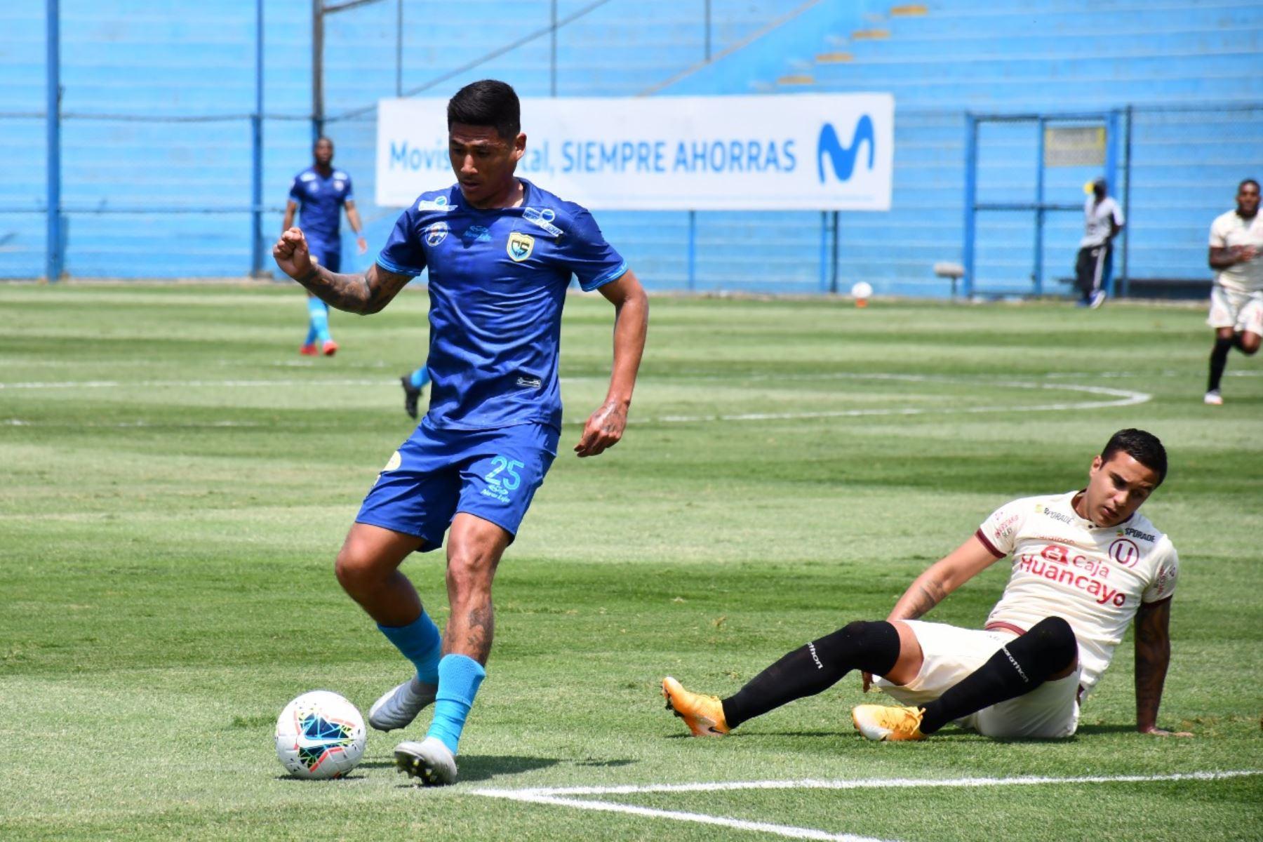 Universitario juega con Carlos Stein