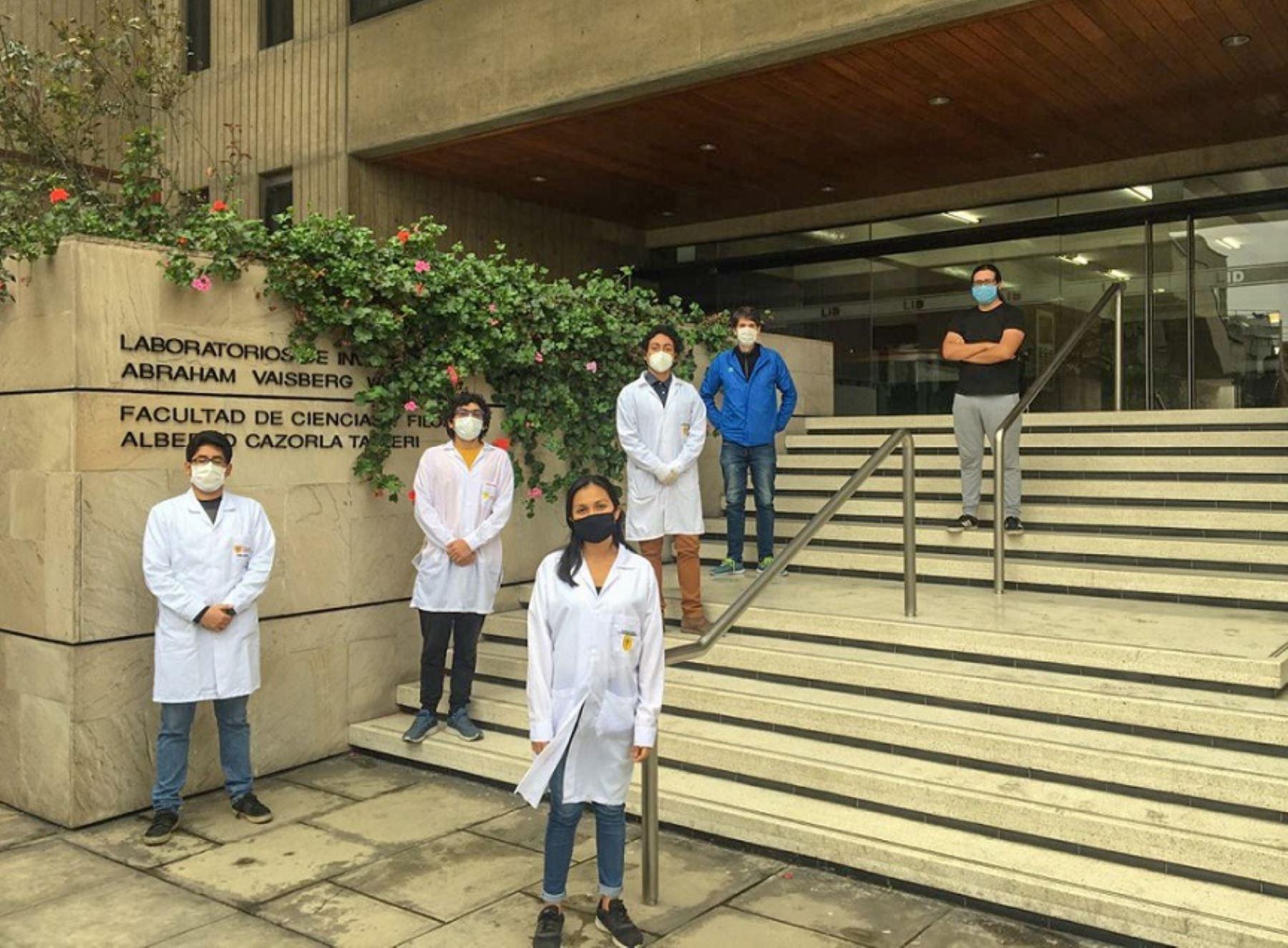 Jóvenes investigadores ganan medalla de oro en competencia mundial de biotecnología