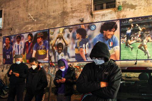 Argentina: hinchas lamentan la muerte de Diego Armando Maradona