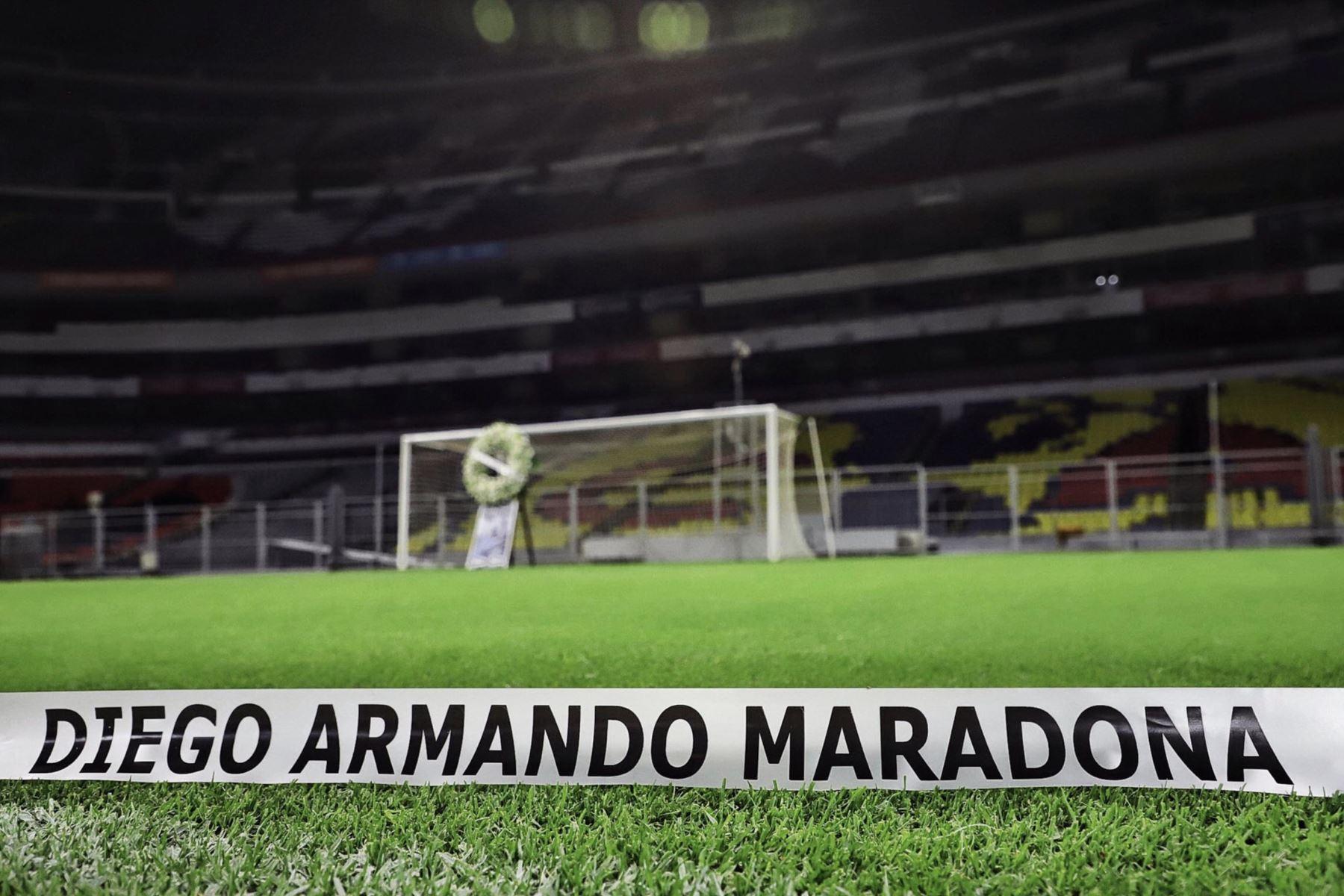 El Estadio Azteca también se unió a los homenajes a Diego Armando Maradona. Foto: Twitter/ Estadio Azteca