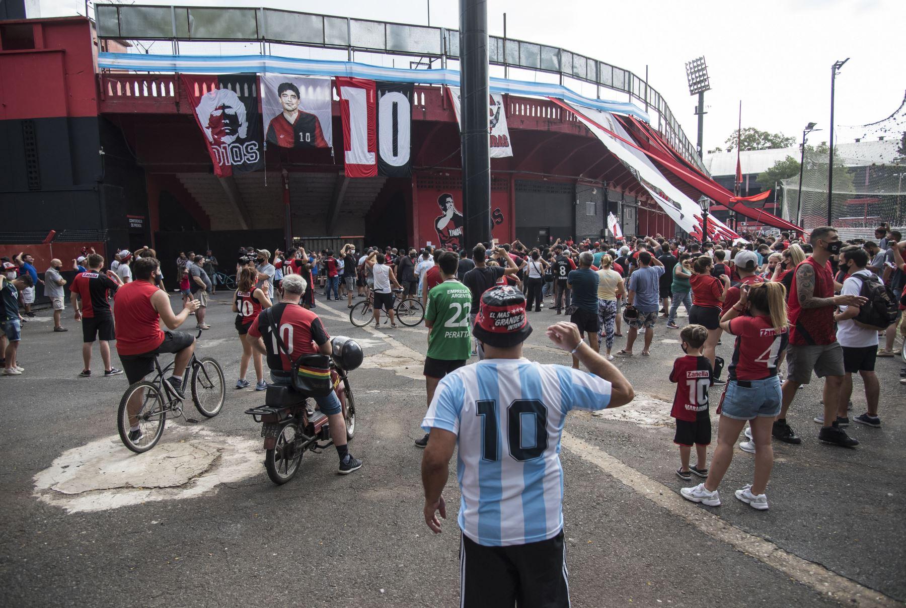 Los fanáticos del equipo de fútbol Newell