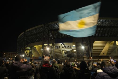 """confirman que el San Paolo se llamará  """"Diego Armando Maradona"""""""