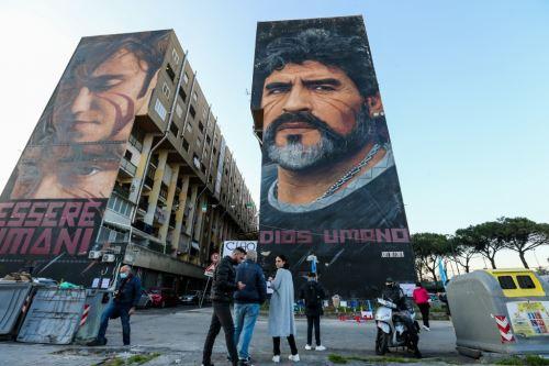La ciudad italiana de Nápoles se rinde ante Maradona