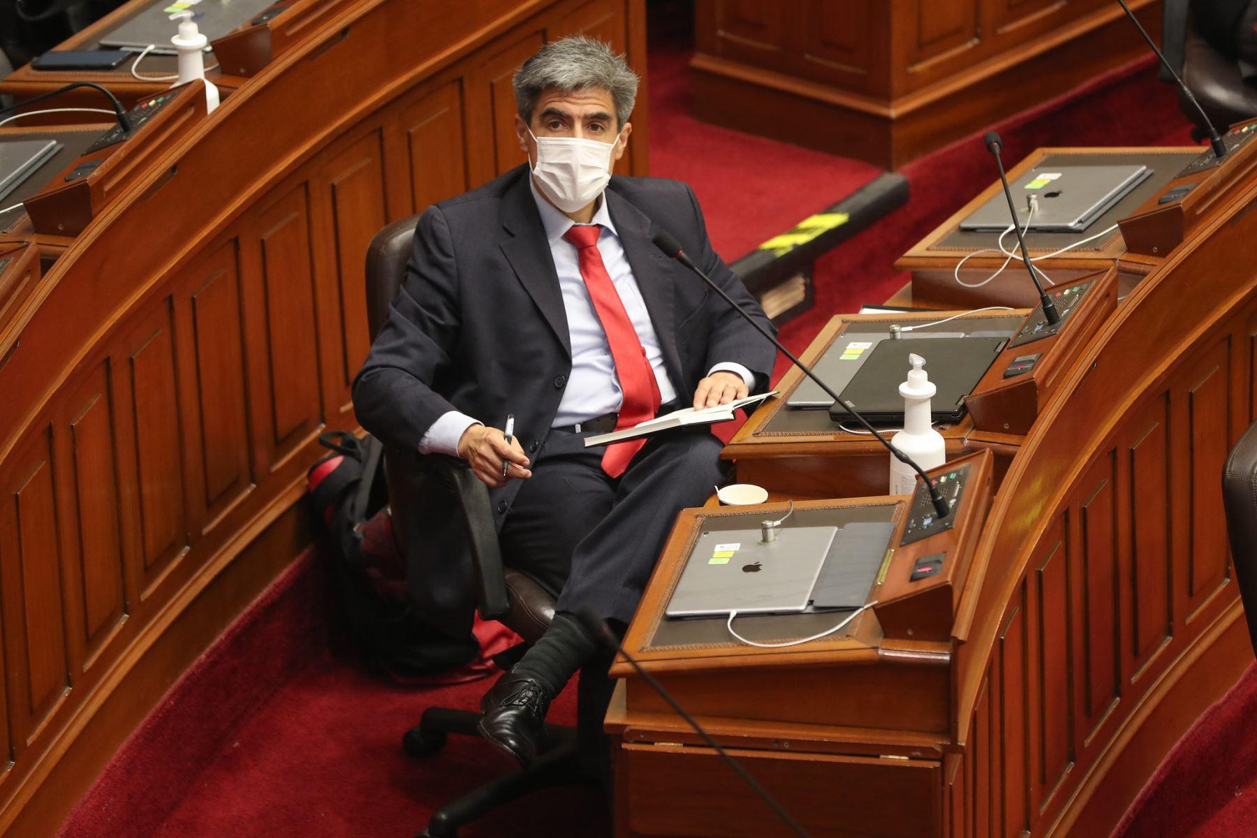 Alejandro Neyra ministro de Cultura ante el pleno del Congreso para sustentar el presupuesto del sector público 2021.   Foto: ANDINA / PCM
