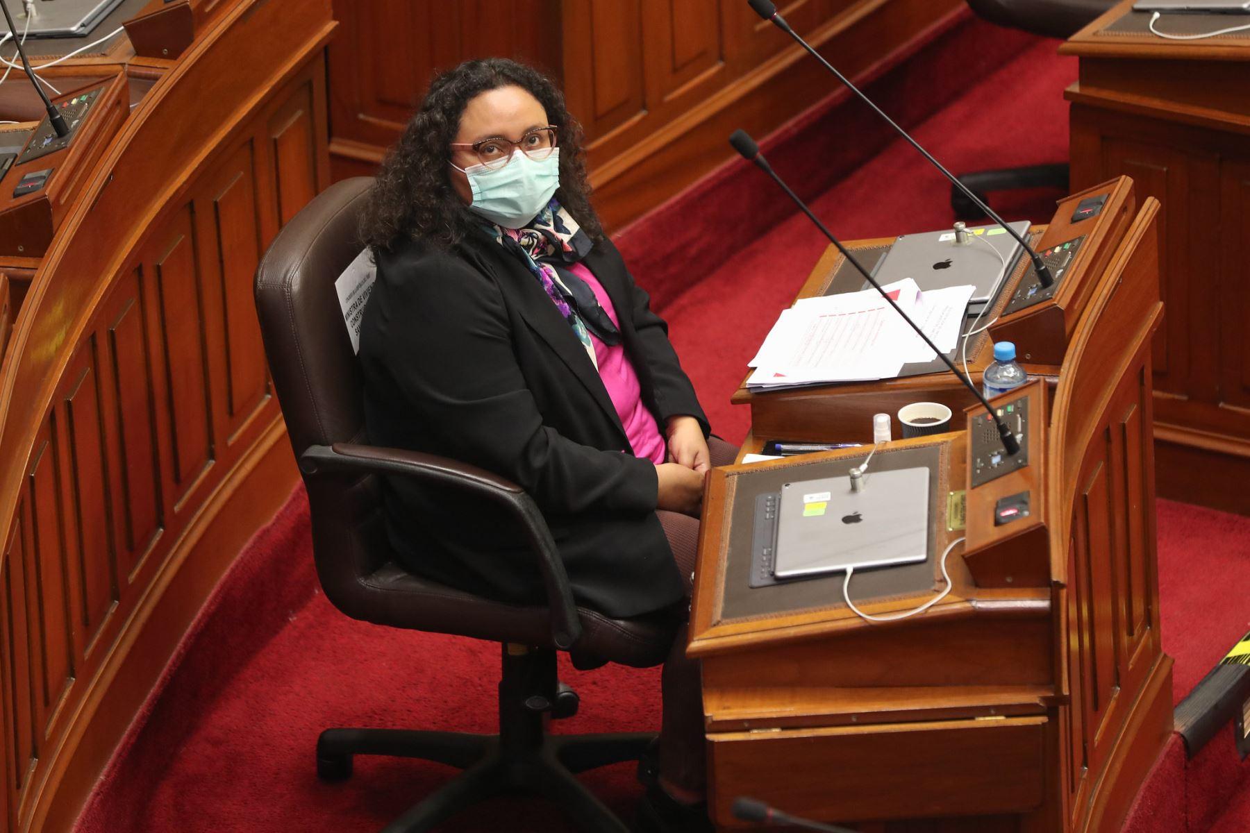Silvana Vargas Winstanley, ministra de desarrollo e Inclusión Social ante el pleno del Congreso para sustentar el presupuesto del sector público 2021. Foto: ANDINA / PCM
