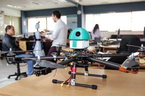 """El proyecto """"Módulo intercambiable para la medición de la calidad del aire en vehículos aéreos no tripulados"""" de la startup qAIRa, ganó la Medalla de Oro en la Décimo Tercera Exhibición Internacional de Inventos de Corea del Sur (KIWIE 2020) y el Premio Especial de la Asociación de Promoción de Invenciones de Corea del Sur (KIPA).  Foto: Cortesía"""