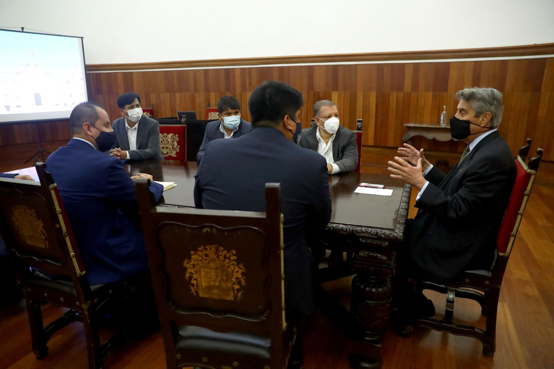 Presidente Sagasti sostuvo una reunión con el líder del Frente Amplio, Marco Arana y parlamentarios de la bancada. Foto: ANDINA/ Prensa Presidencia