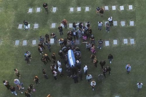 Maradona fue enterrado junto a sus padres en Buenos Aires