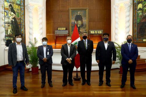 Presidente Sagasti dialogó con miembros del Frente Amplio