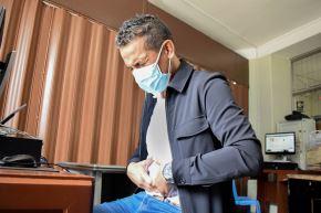 Pacientes que sufren prostatitis crónica deben evitar el consumo excesivo de alcohol, cafeína, comidas altamente condimentadas y picantes. Foto: ANDINA/EsSalud
