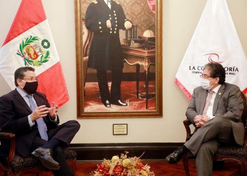 Ministro del Interior, Rubén Vargas, se reunió con el contralor Nelson Shack.
