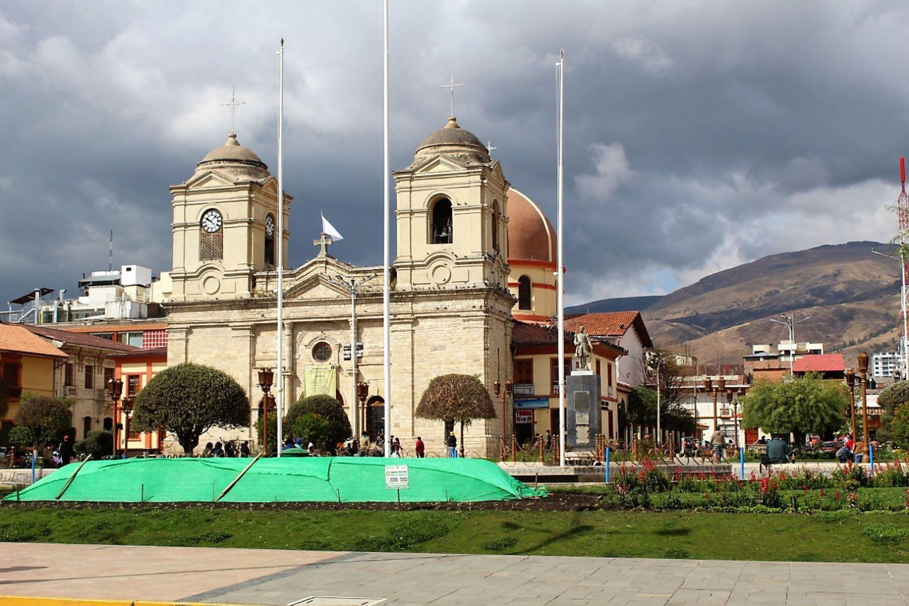 Plaza Constitución en la ciudad de Huancayo.