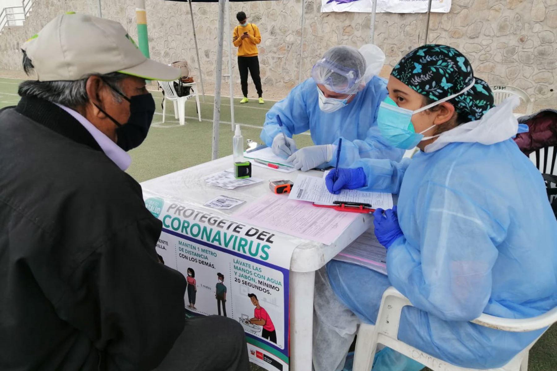 Durante el 26 de noviembre se registraron los resultados de 19,652 personas muestreadas, de los cuales 634 fueron casos sintomáticos confirmados de ese día. Foto: ANDINA/Minsa