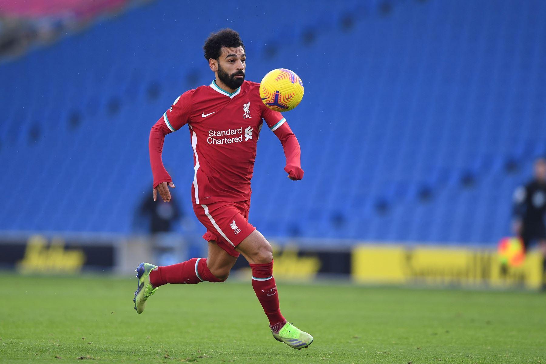 Mohamed Salah del Liverpool FC en acción durante el partido de fútbol de la Premier League inglesa, en Brighton, Gran Bretaña. Foto: EFE