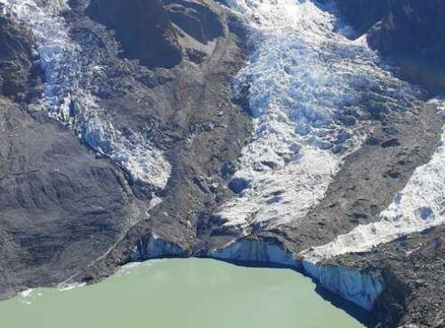 Científicos de Inaigem evalúan posibles riesgos de lagunas de origen glaciar en el Perú. ANDINA/Difusión