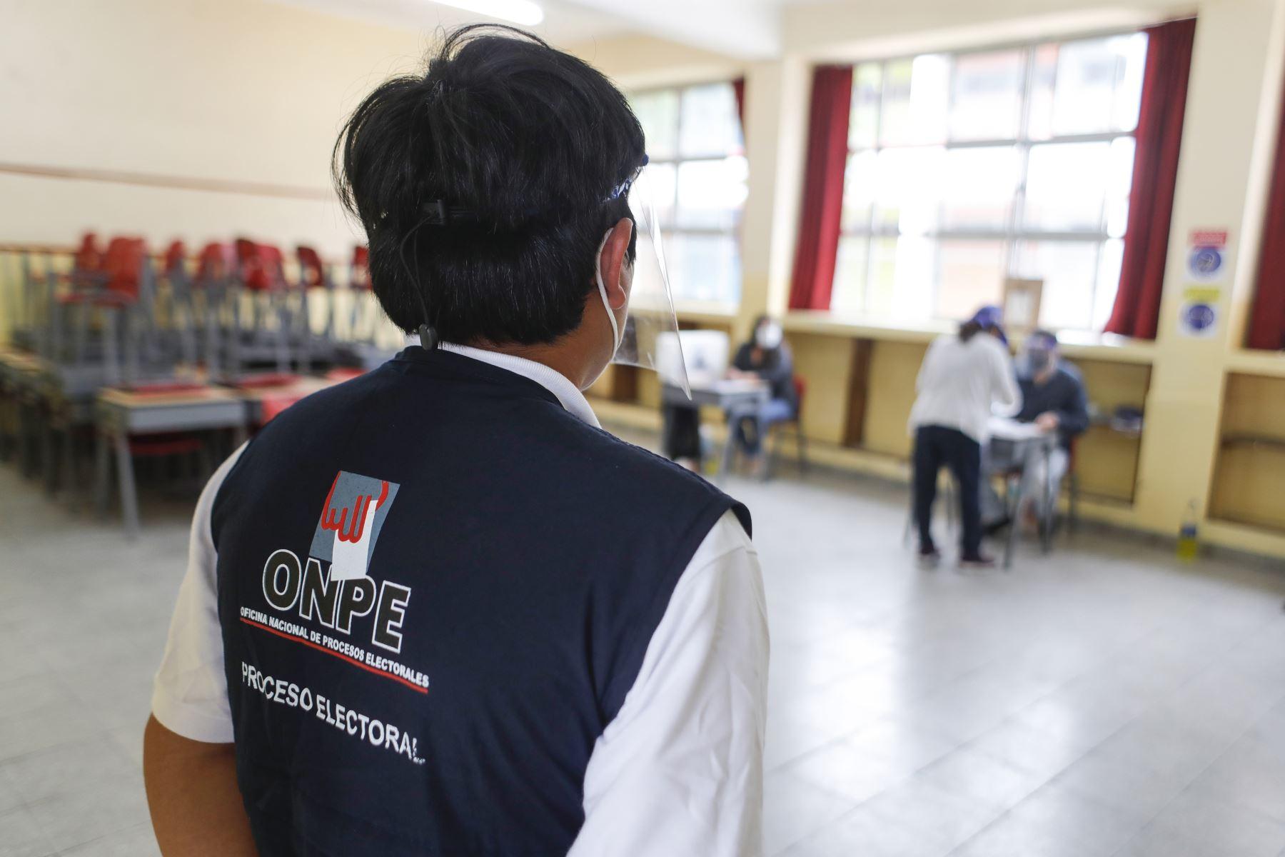Partidos Políticos participan masivamente en las elecciones internas que se realizan desde las 07:00 horas de hoy en todo el país, como parte de las Elecciones Generales 2021 y elijan a sus mejores cuadros. Foto: ANDINA/Renato Pajuelo