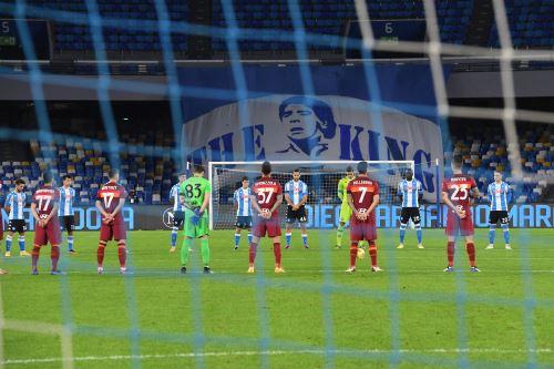 Napoli rinde tributo a Diego Armando Maradona antes del partido ante Roma