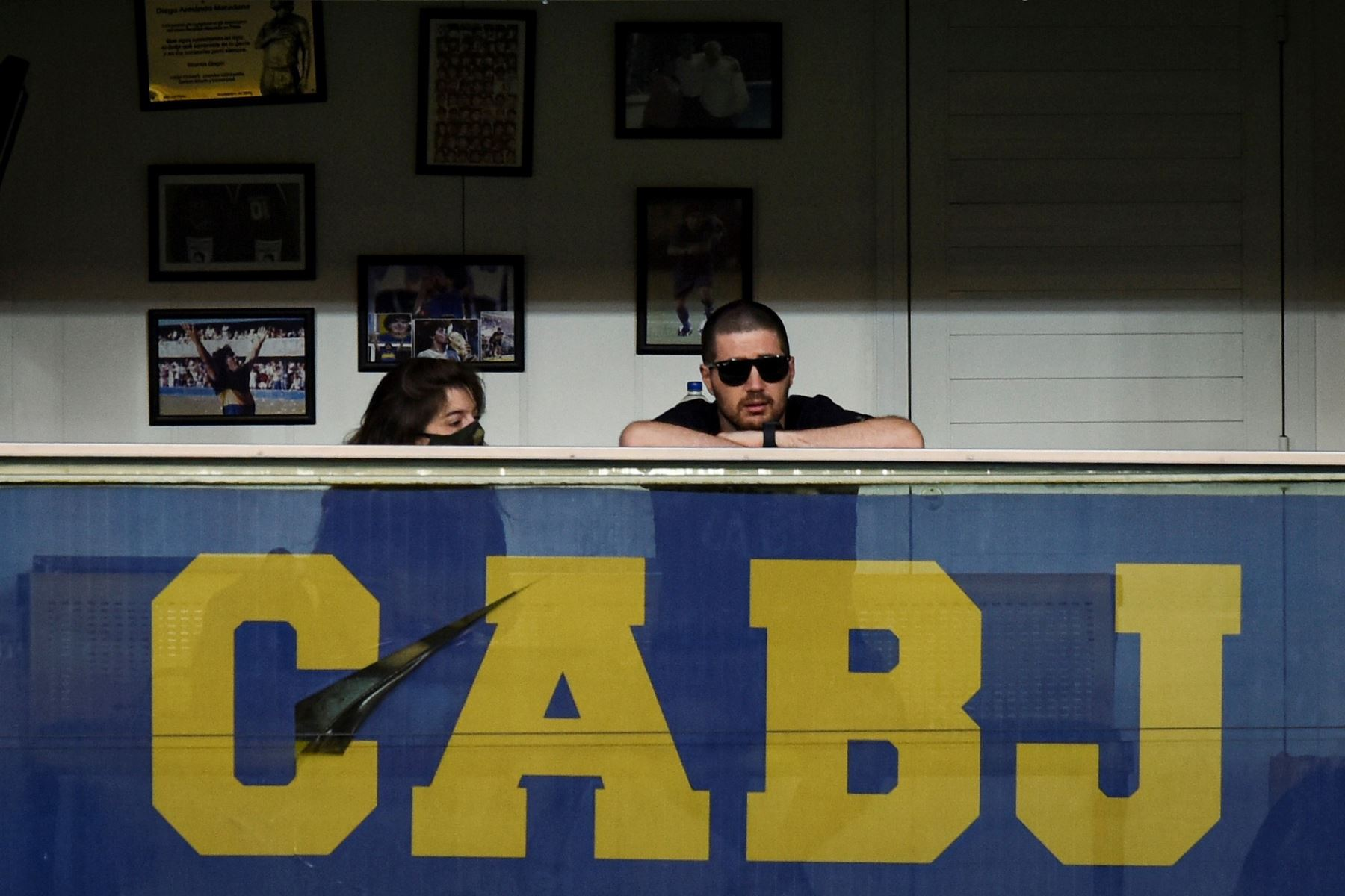 Dalma Maradona, La hija de Diego Maradona, Dalma Maradona, observa desde el palco de su padre el partido de la Primera División argentina entre Boca Juniors y Newell