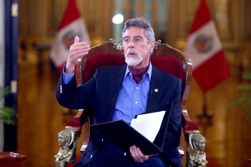 Presidente Francisco Sagasti brinda entrevista a programas dominicales
