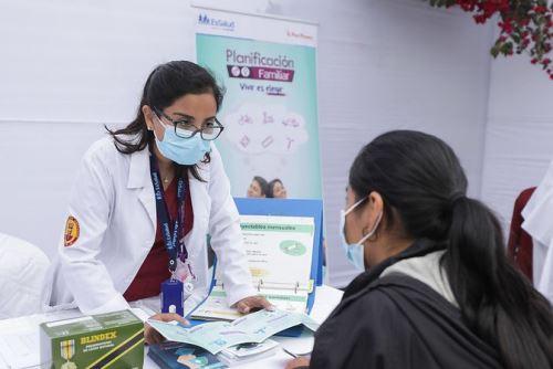 EsSalud desarrolla jornada de despistaje de VIH y covid -19, en el marco del Día Mundial de la Lucha contra el Sida