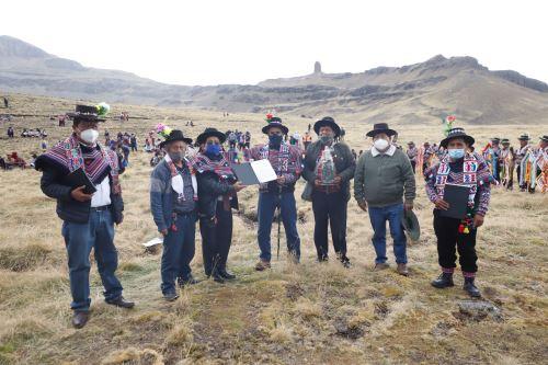 Ministro de Cultura participa en ceremonia donde  declara Patrimonio Cultural de la Nación al Apu Tambraico en Huancavelica