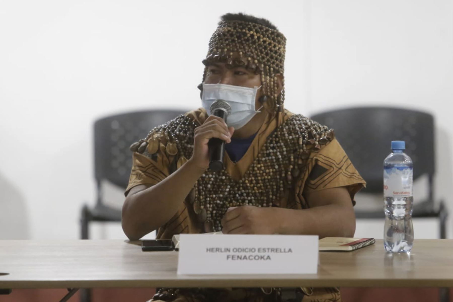 En la sede del Ministerio de Cultura se lleva a cabo una reunión multisectorial con autoridades de organizaciones indígenas de Ucayali, tales como Fenacoka, Feconau y Tribunal Indigena, a fin de dialogar sobre las necesidades de los pueblos indígenas en la región. Foto: Mincul