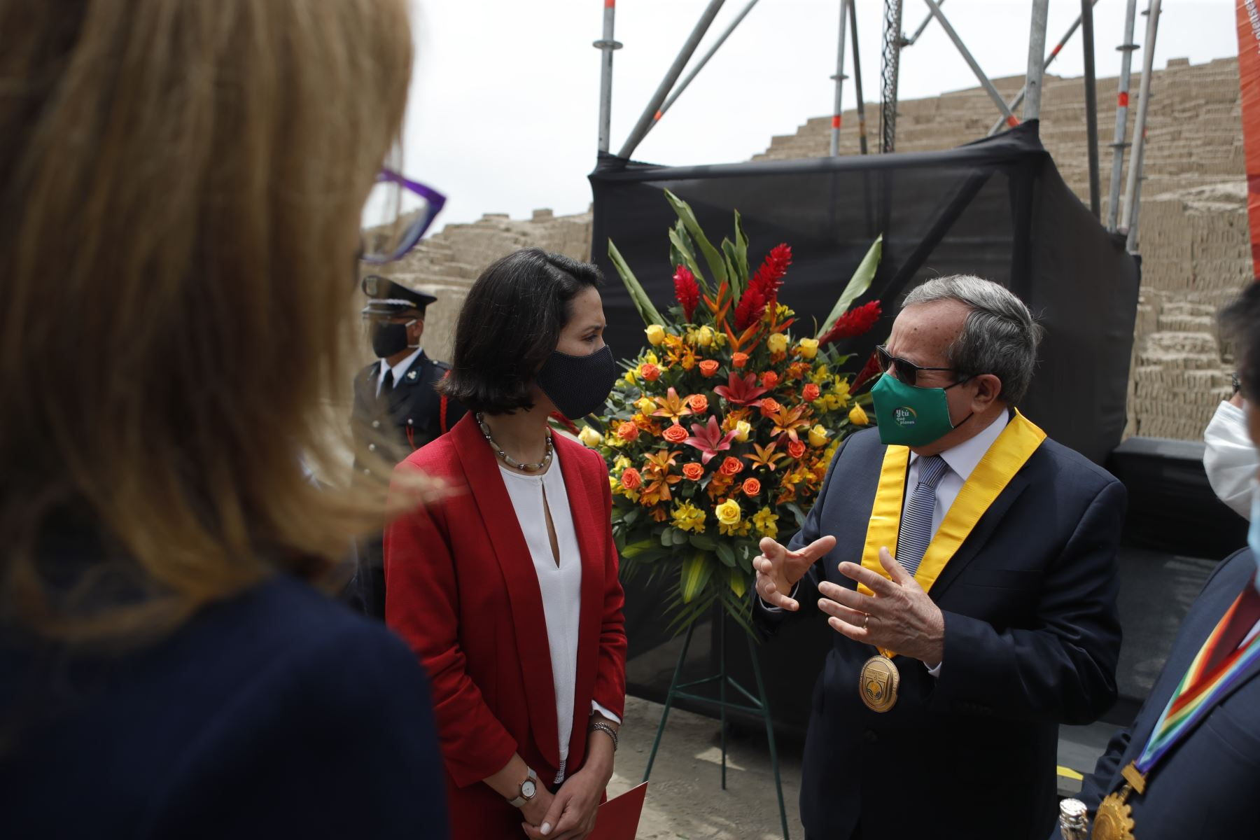 Ministra de Comercio Exterior y Turismo (Mincetur), Claudia Cornejo, entregó al Alcalde Luis Molina reconocimiento internacional. Foto: ANDINA/Renato Pajuelo