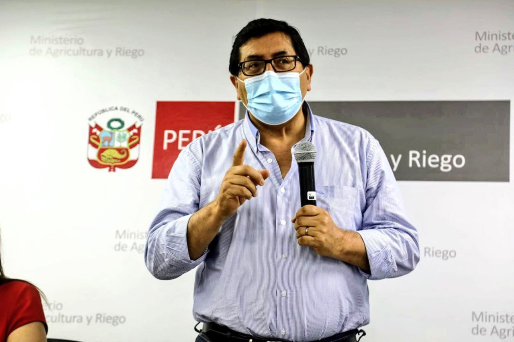 Ministro de Agricultura, Federico Tenorio sostuvo reunión con representantes de las Juntas de Usuarios de los Sectores Hidráulicos de Riego del Perú, para evaluar las acciones que implementa el Ejecutivo ante el estrés hídrico en el norte del país. Foto: Midagri