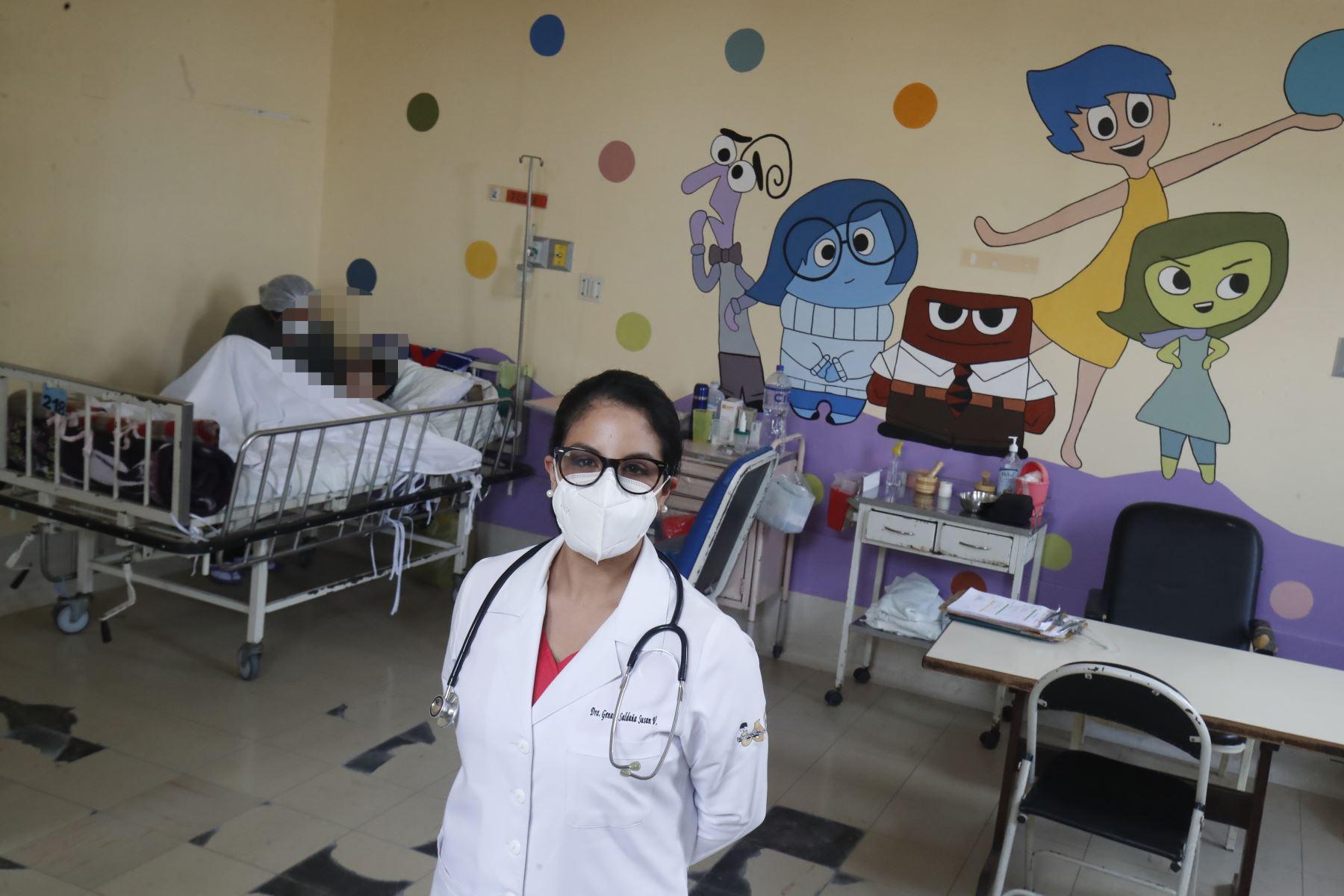 """Dra. Susan Genaro, Médico Pediatra, del servicio de Medicina """"D"""" Instituto Nacional de Salud del Niño - Breña.  Foto: ANDINA / Juan Carlos Guzmán Negrini"""