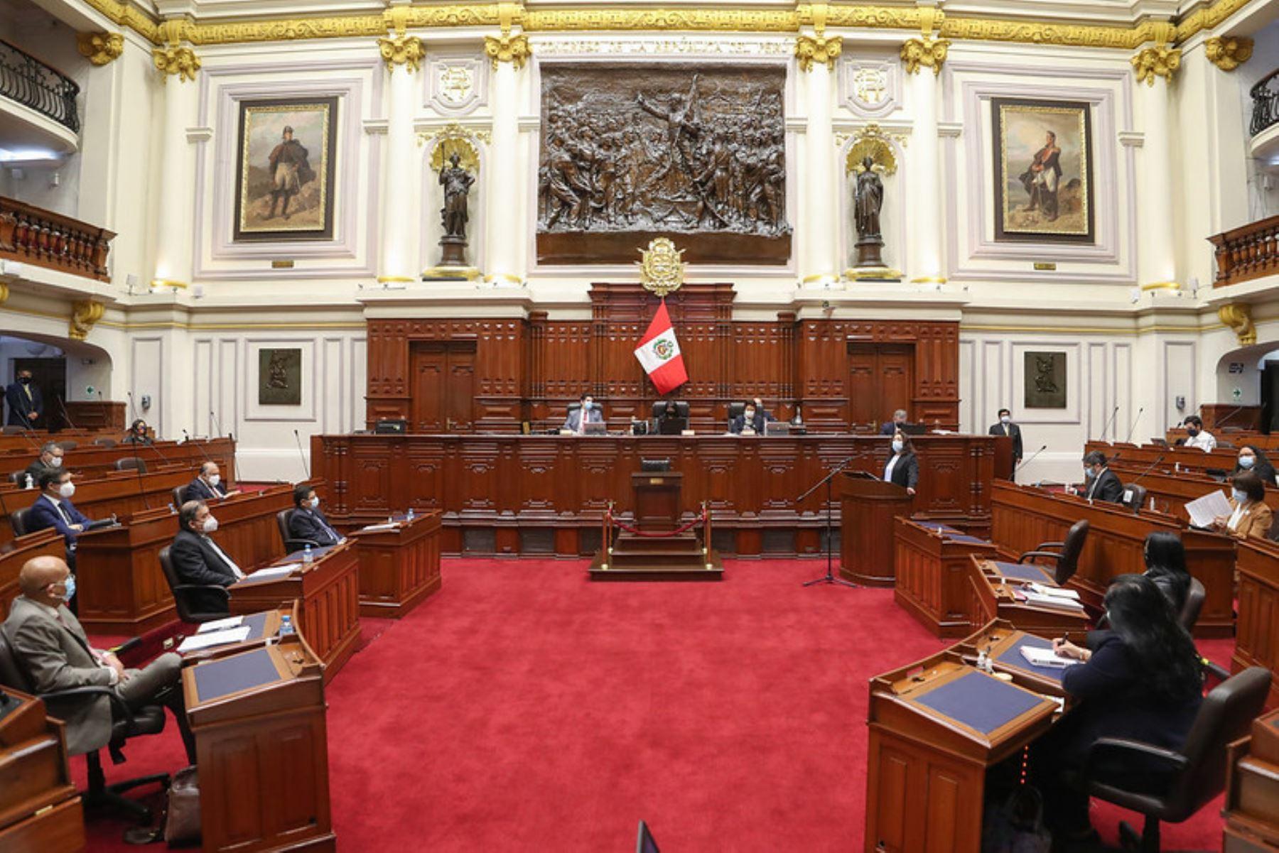 La titular de la Presidencia del Consejo de Ministros,  Violeta Bermúdez Valdivia, inició su exposición ante el Pleno Virtual en cumplimiento del artículo 130 de la constitución política.  Foto: ANDINA/PCM