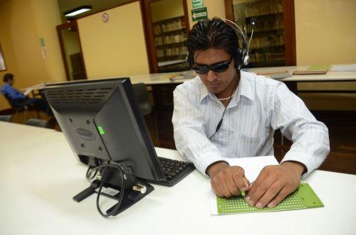 Indecopi publica reporte de inventos que facilitan la vida de personas con discapacidad visual, auditiva y del habla.