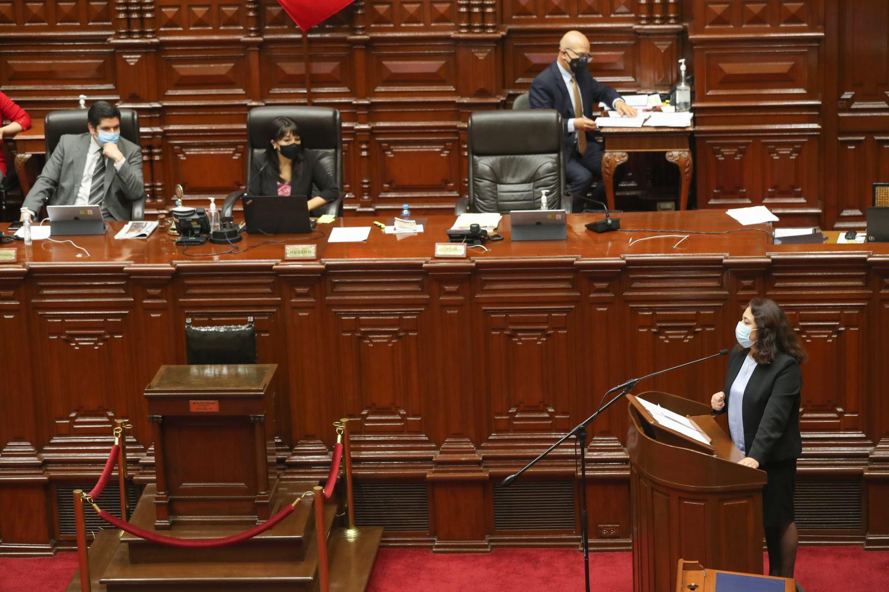 La titular de la Presidencia del Consejo de Ministros, Violeta Bermúdez Valdivia, inició su exposición ante el Pleno Virtual en cumplimiento del artículo 130 de la constitución política. Foto: PCM
