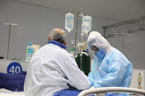 Durante el 2 de diciembre se registraron los resultados de 15,845 personas muestreadas, de los cuales 603 fueron casos sintomáticos confirmados de ese día. ANDINA/Minsa
