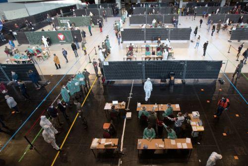 Pandemia se agrava en EE.UU. y Brasil, y deja más de 1,5 millones de muertes