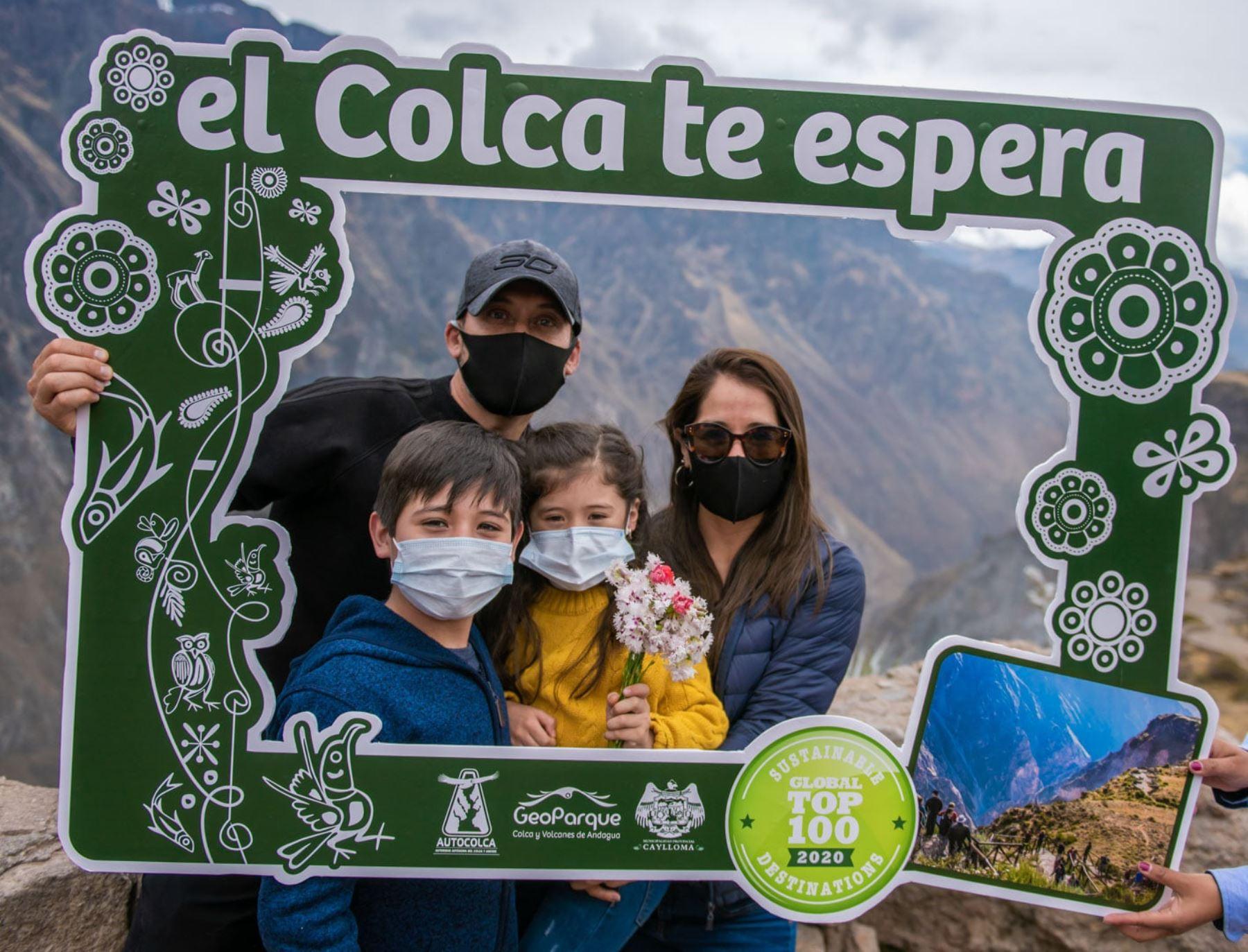 Desde hoy hasta el jueves 4 de marzo dos visitantes podrán ingresar al Valle de Colca, el principal atractivo de Arequipa, pagando solo una entrada. Foto:ANDINA/Difusión.