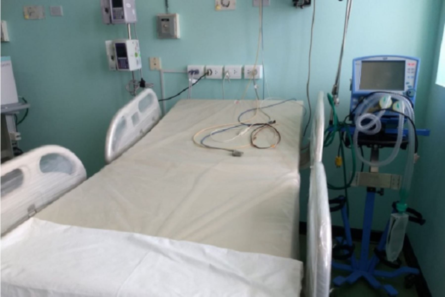 hospital-regional-del-cusco-aumenta-a-37-camas-uci-para-pacientes-covid-19
