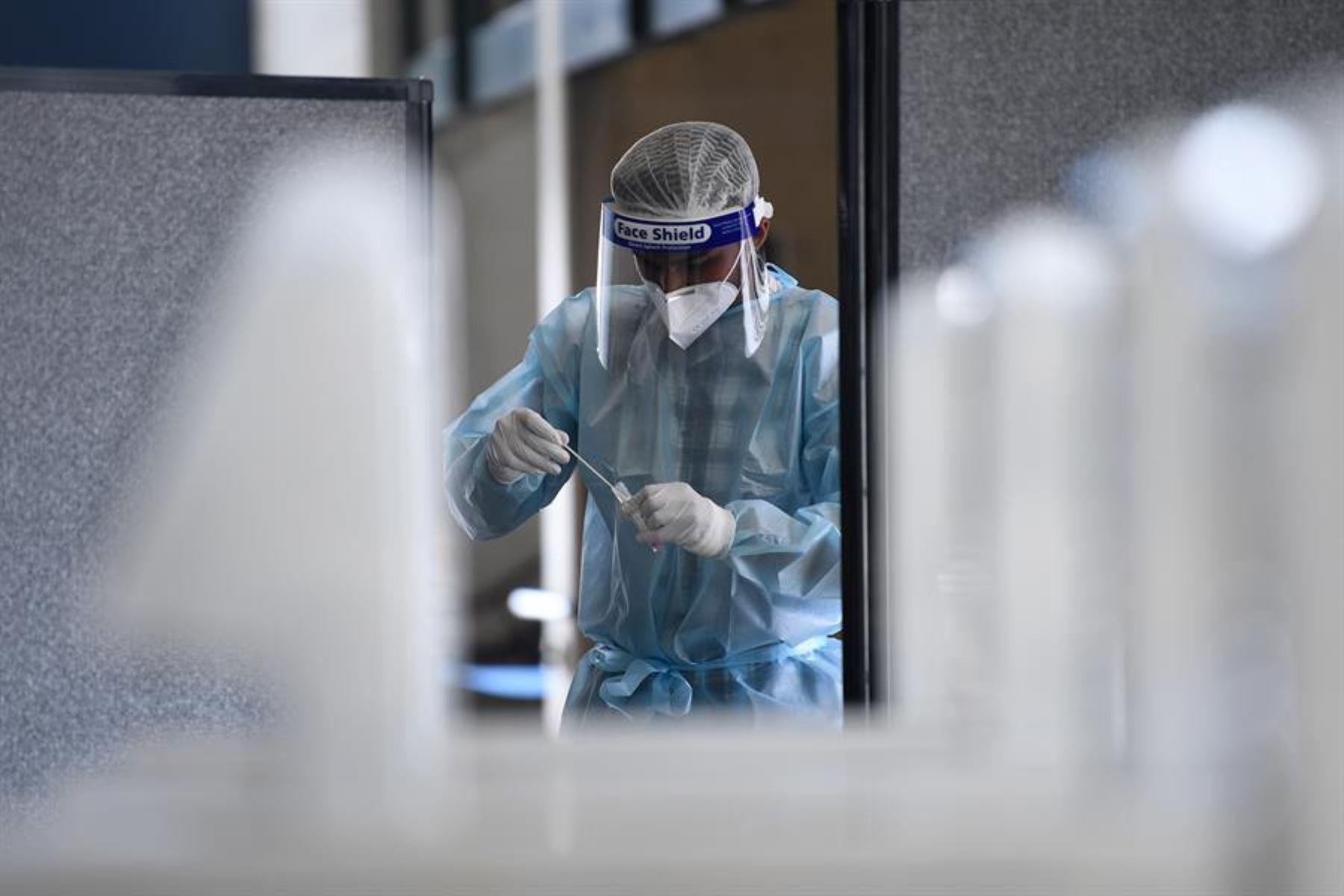 86,4 millones de infectados de covid en el mundo, según la Universidad John Hopkins.