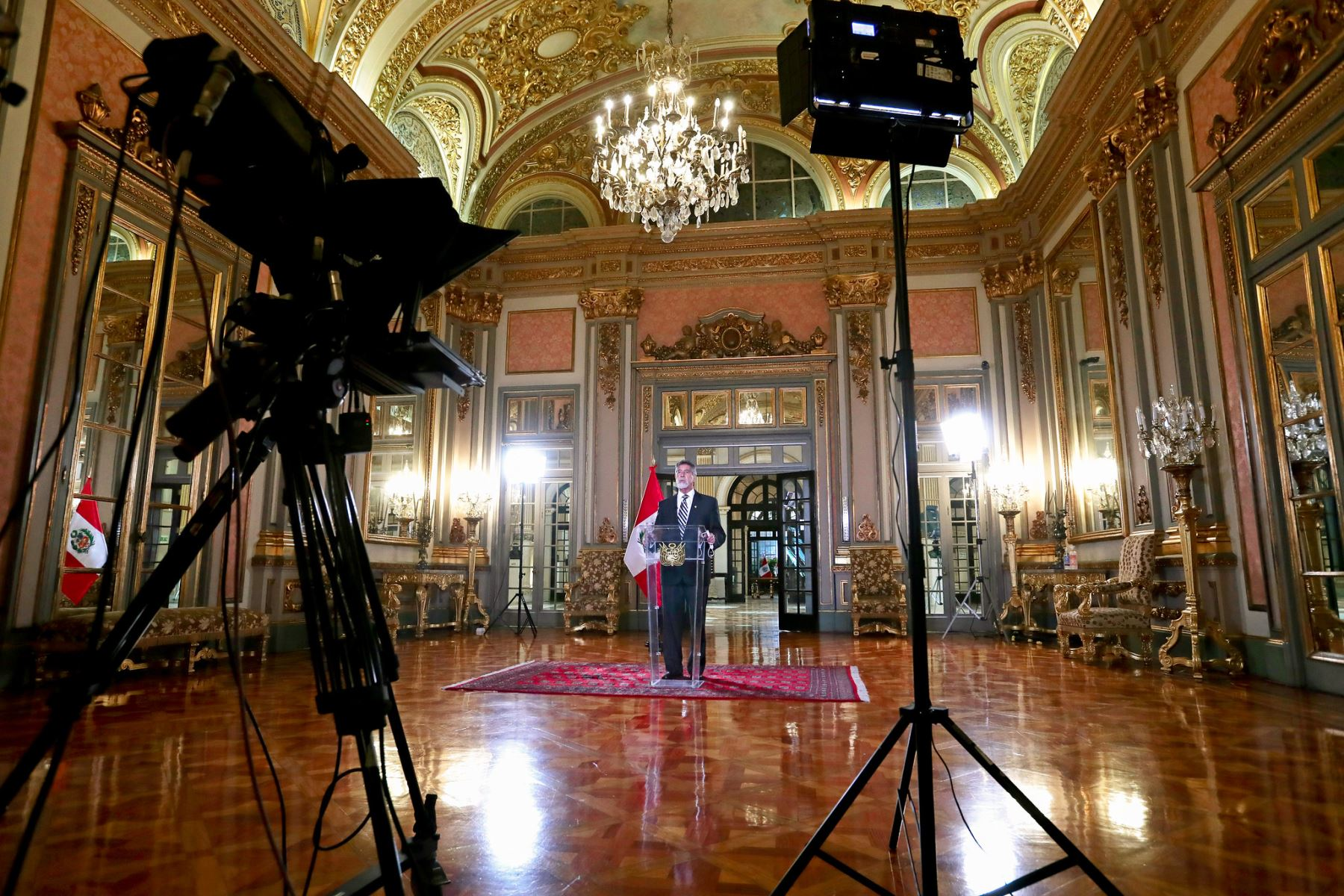 El jefe del Estado Francisco Sagasti, ofrece un mensaje a la Nación. Foto: ANDINA/ Prensa Presidencia