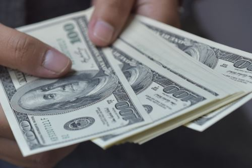 Dólares. Foto: AFP