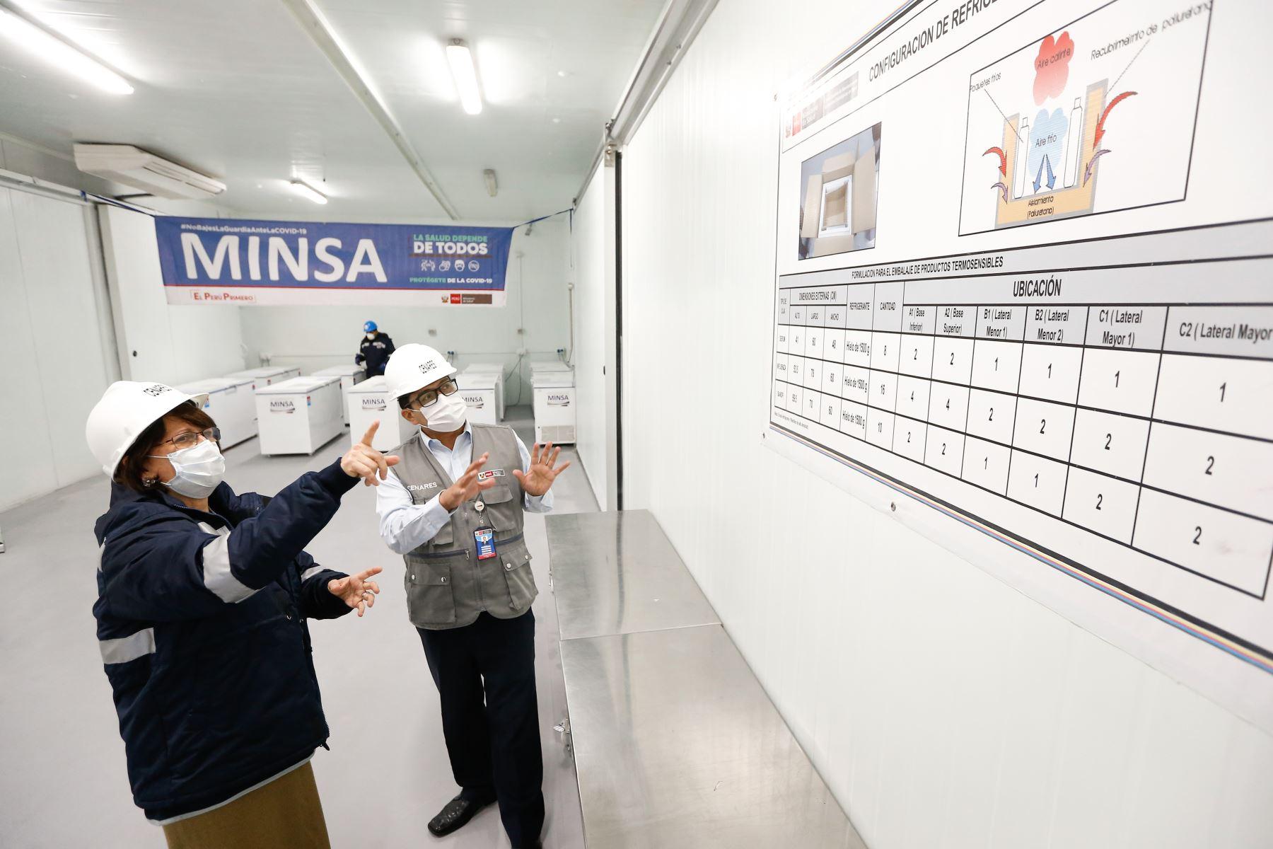 Ministra de Salud, Pilar Mazzetti Soler adelantó que el primer lote de un millón de vacunas contra la COVID-19 que llegará del laboratorio chino Sinopharm se destinará prioritariamente al personal de salud. ANDINA/Minsa