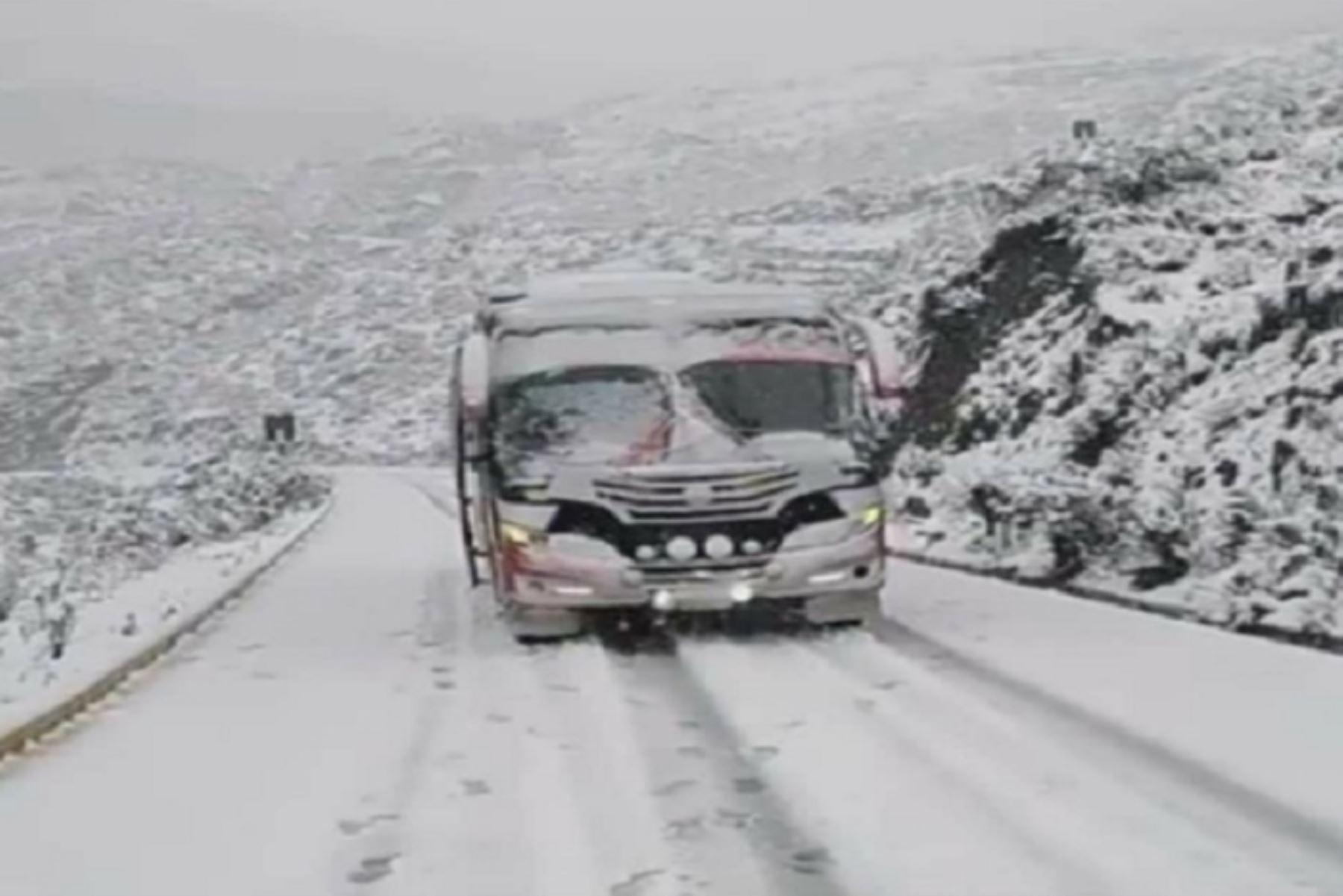 El COER insta a los conductores que transitarán por esta zona a tomar las medidas del caso para evitar accidentes que lamentar.