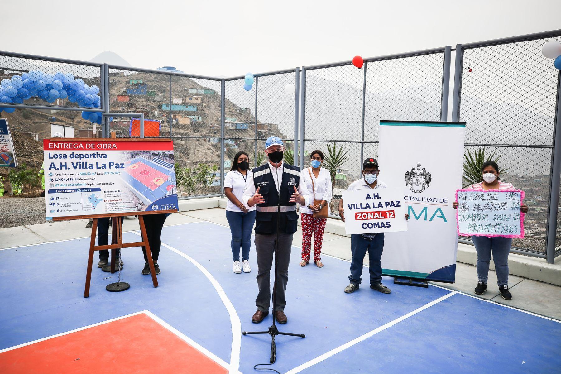 En el asentamiento humano, Villa La Paz, inauguró una losa deportiva, cuya nversión fue de S/ 404 mil. ANDINA/Municipalidad de Lima