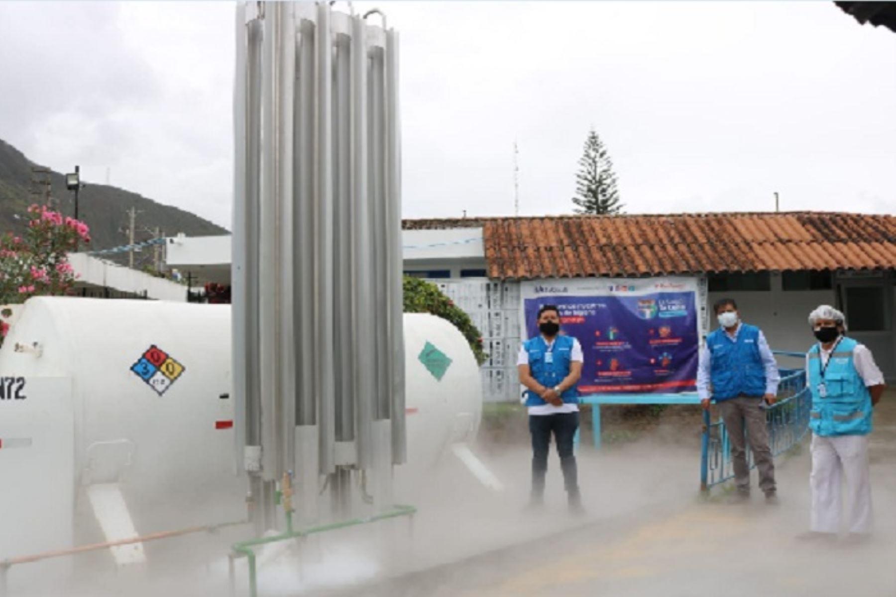 El isotanque de oxígeno fue entregado por la empresa Praxair, bajo la modalidad de comodato (cesión en uso), y en contraparte la Red Asistencial de EsSalud se encargó de financiar el transporte y la instalación del mismo.