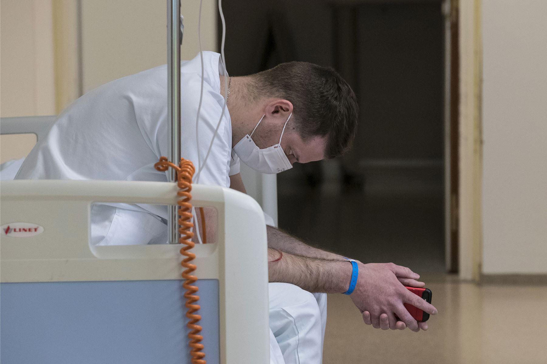 covid-19-7-de-cada-10-recuperados-tiene-al-menos-un-sintoma-hasta-seis-meses-despues